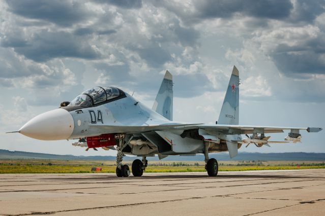 Su-30SM multirole fighter with the combat load